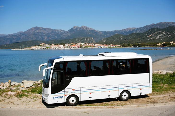 Une flotte d'autocars et de véhicules de 8 à 56 places